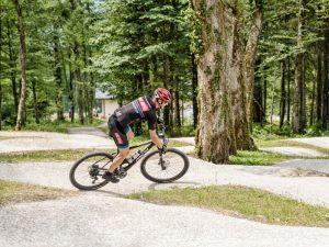 Der Pumptrack in der Bike Arena Obertraun (Foto: Florian Neumüller - Lichtpsieler)