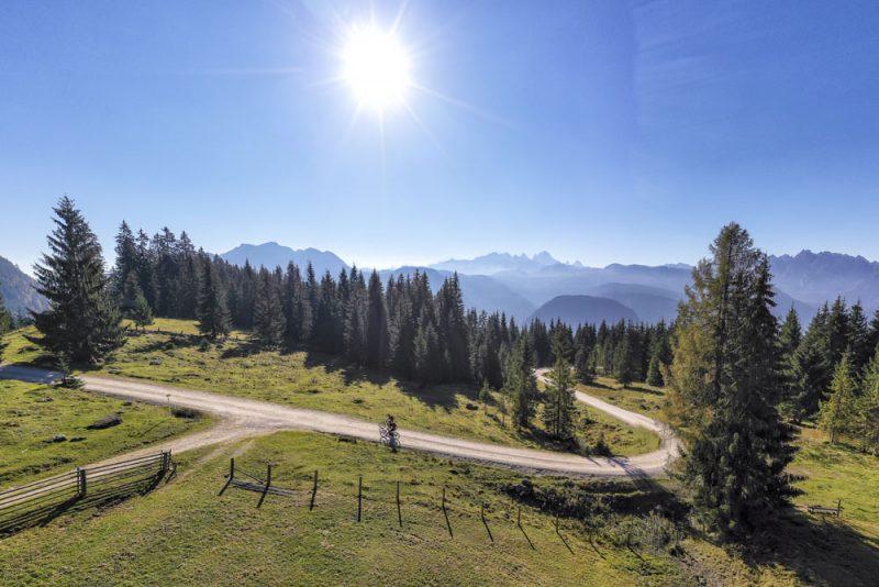 Mountainbiken im Almengebiet (Foto: WOM Medien GmbH, Andreas Meyer)